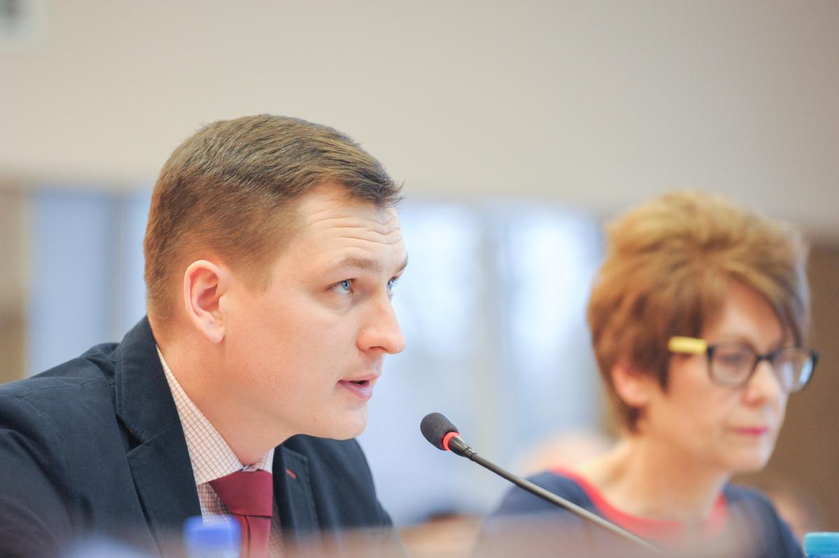 Radny Marcin Kozik pytał i nieprzepisową jazdę kierowcy prezydenta.