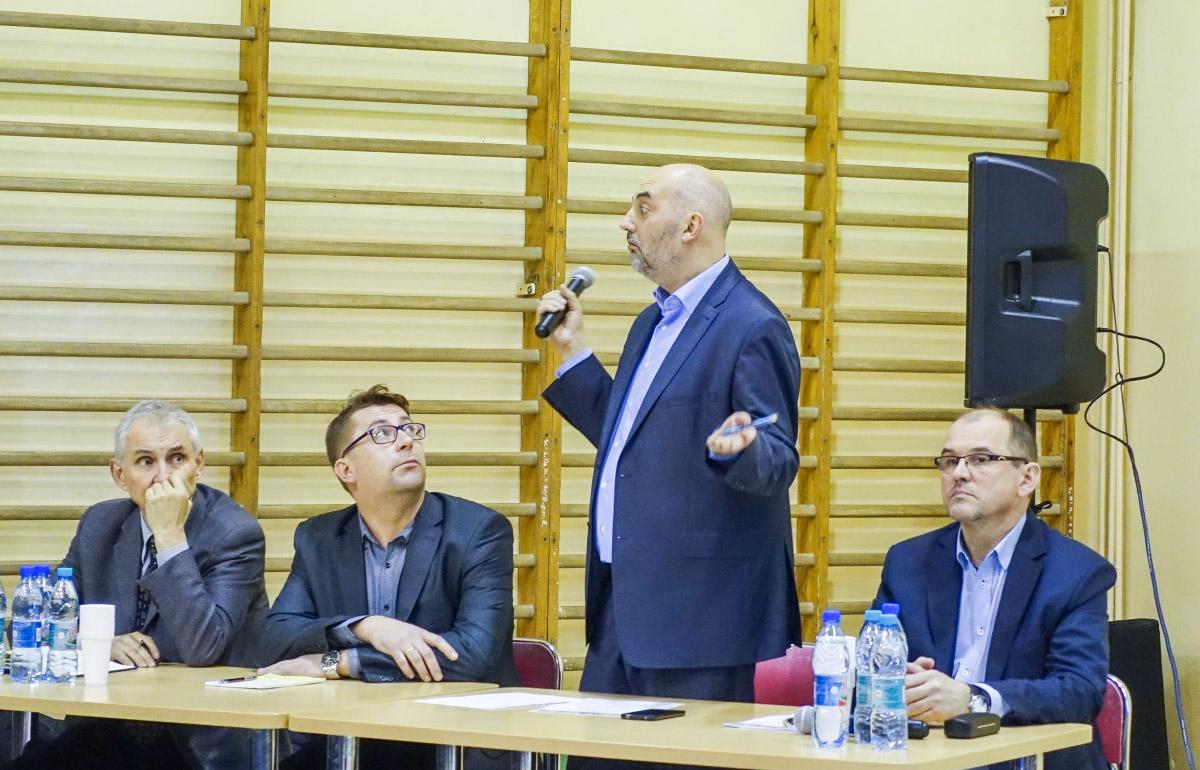 Spotkanie prezydenta Pawła Silberta z mieszkańcami Ciężkowic w sprawie budowy kopalni Mariola.